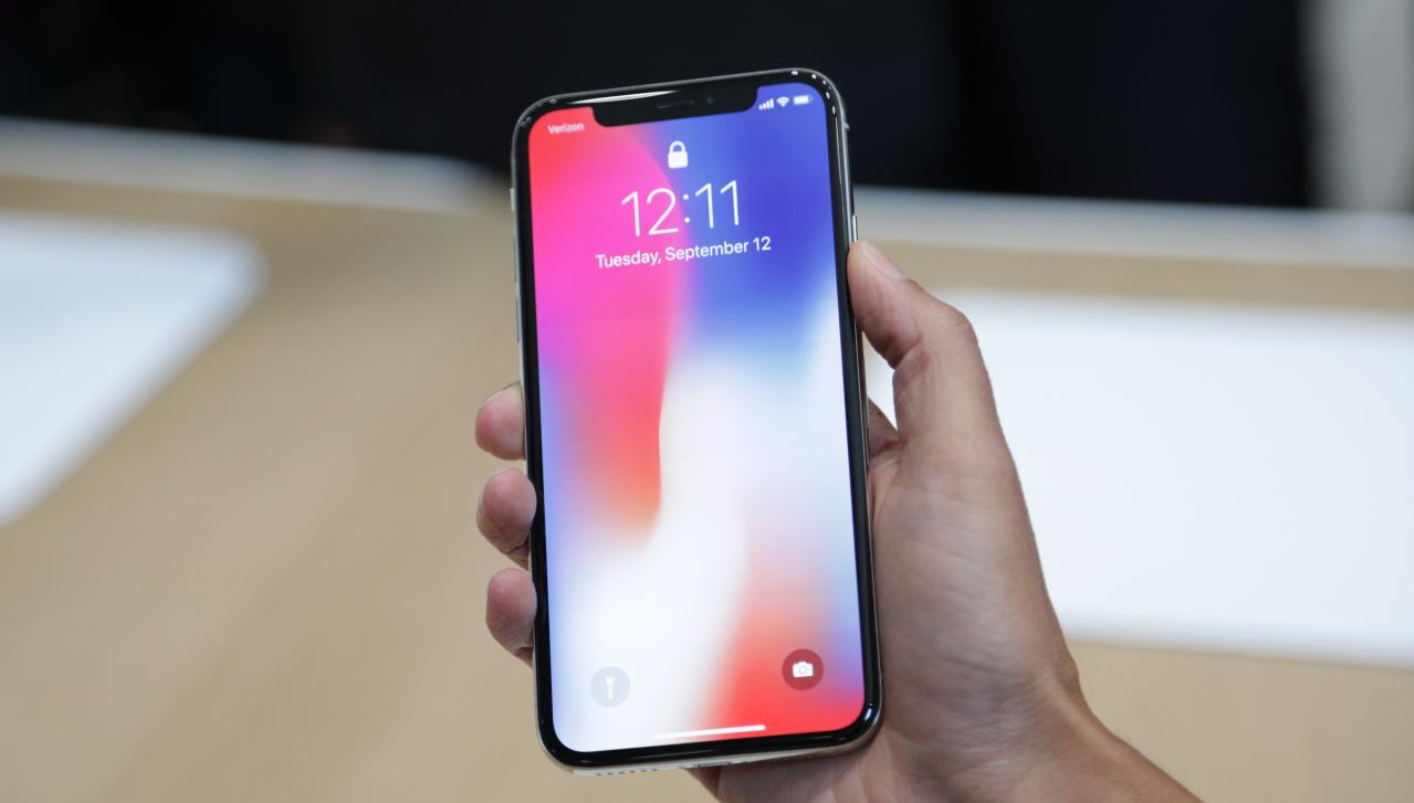 Проблемы продолжаются: владельцы iPhone X жалуются на проблемы с динамиком