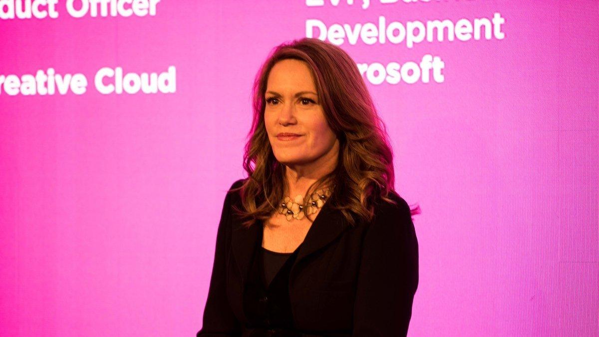 Исполнительный вице-президент по бизнес-разработке Пегги Джонсон покидает Microsoft