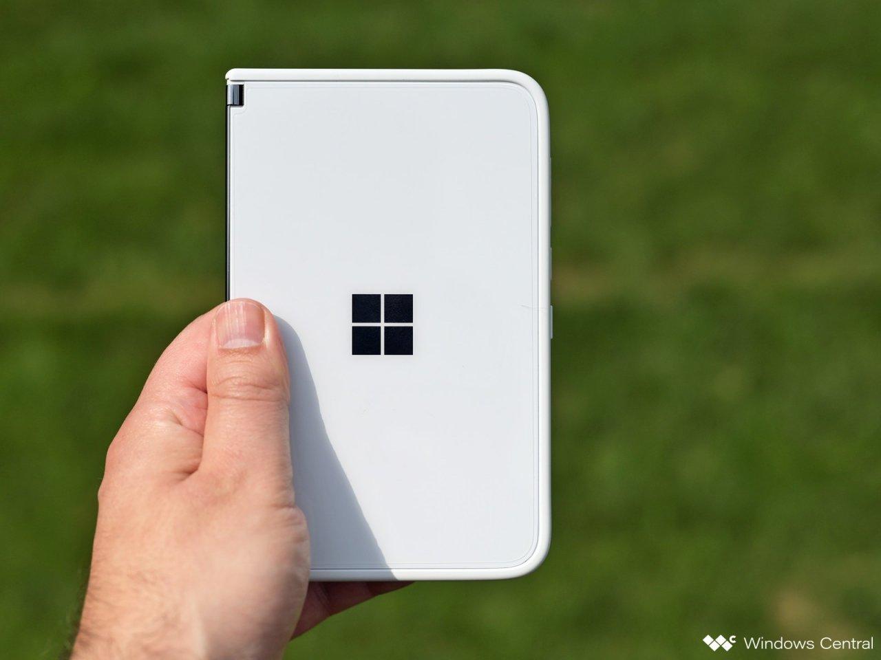 Перевод: Surface Duo 2 может выйти уже осенью